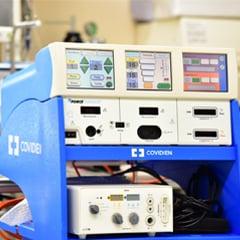 外科用<br>エネルギープラットフォーム<br>COVIDIEN FORCETRIAD